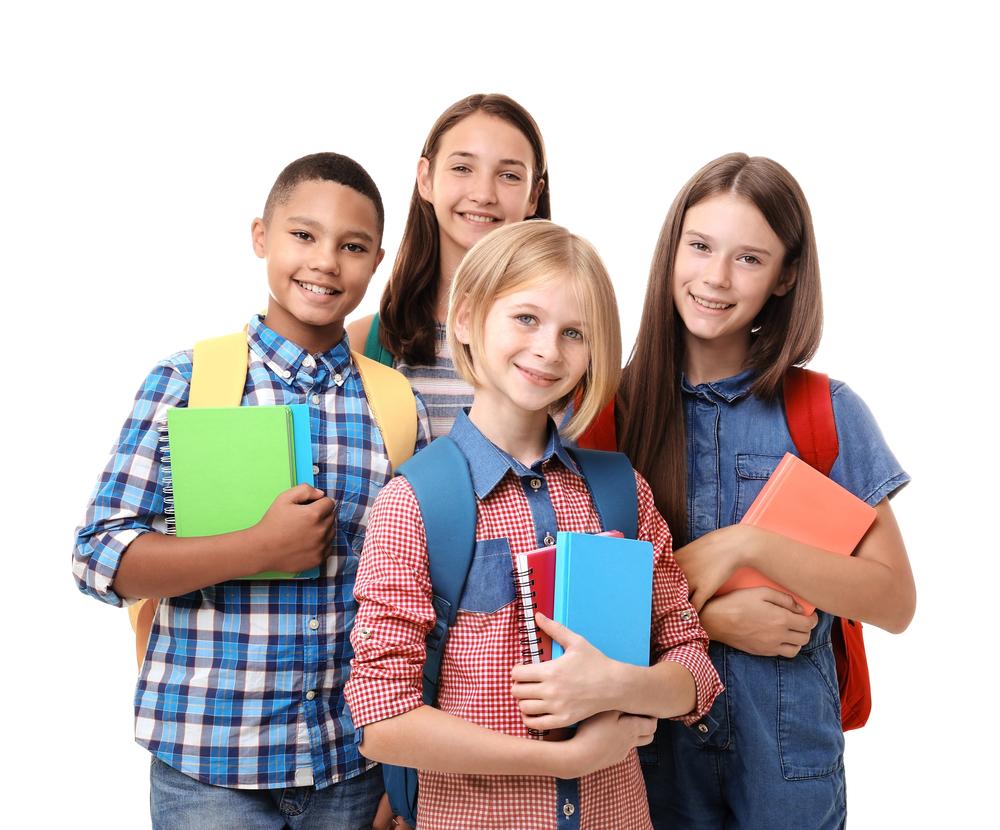 adolescentes estudando ingles